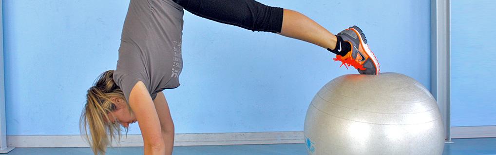 Allenamento funzionale a corpo libero e con piccoli attrezzi